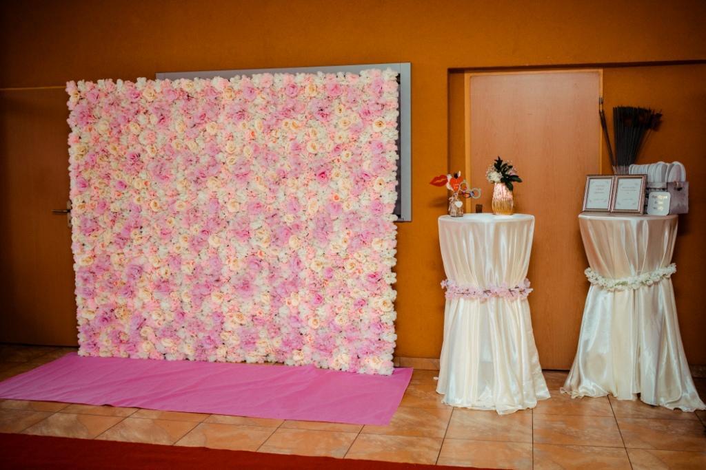 Svadobná výzdoba a 3D kvetinové fotopozadie s rozmerom 240x220 cm